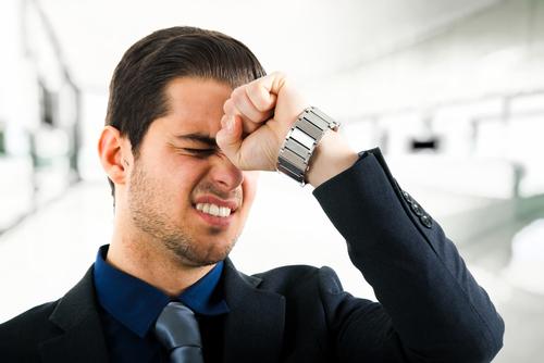 Bỏ thuốc lá gây ra đau đầu